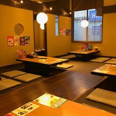 ご家族やご友人、会社の方とも気兼ねなくお食事を楽しんでいただけるような空間作りをしております。