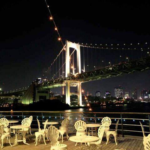 ◆オープンデッキ◆昼・夕・夜、室内・屋外とシーンに合わせてご利用いただけます。特別なひと時を。