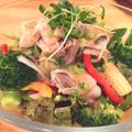 料理メニュー写真豚の冷シャブサラダ