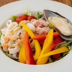 ズワイガニを使った海鮮イタリアンサラダ