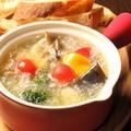 料理メニュー写真海老とキノコのアヒージョ(バケット付き)
