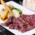 料理メニュー写真牛ハラミのステーキ 赤ワインソース