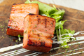 料理メニュー写真厚切りベーコン炭焼き