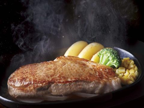お肉に合う!と大好評の「宮のたれ」は、創業以来変わらぬ味を守り続けています。