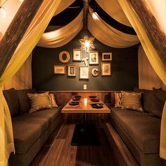 人気No.1♪グランピングの雰囲気をそのまま楽しめる4名様個室は予約必須!栄・矢場町・錦周辺で、誕生日会・女子会・合コン・各種宴会ならOcto Table -オクトテーブル-で決まり♪