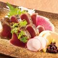料理メニュー写真鮮魚の藁焼きタタキ