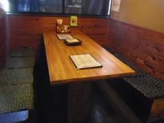 ご家族や少人数での集まりにはテーブル席をどうぞ