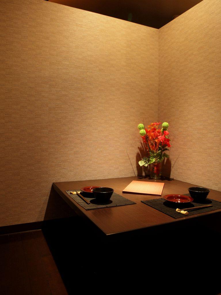 誕生日、記念日…二人の大切な日には、落着きあるカップル個室。プレシャスな時間をお楽しみ下さい☆