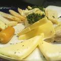 料理メニュー写真定番チーズ盛り合わせ