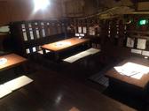 最大20名程度のロフト席。テーブルをつなげて宴会できます。隠れ家的雰囲気が人気のお席です。
