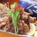 料理メニュー写真亜もん名物 鶏の唐揚げ