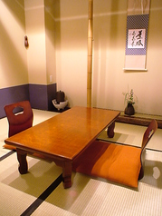 【お座敷席】美しく、あたたかい和の空間で最高のひと時を…総席数47席!ご宴会最大数35名様まで可能です。お客様の人数に合わせ、ご案内いたします。お席の詳細などお気軽にお問い合わせください。※写真は一例です
