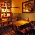 角のお席も優しい間接照明と、お洒落なインテリアに囲まれて雰囲気ばっちり。