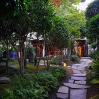 庭園がきれいなカフェバー