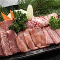 料理メニュー写真特上牛肉5点盛り合わせ