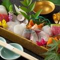 料理メニュー写真鮮魚の箱盛り