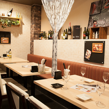 創作和食×ビストロカフェ なな福の雰囲気1