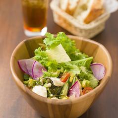 料理メニュー写真お豆富とアボカド、ゆずとろろの和風kawaraサラダ