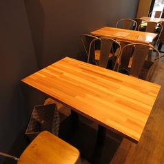 3名様にピッタリのテーブル席です。