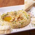 料理メニュー写真ホムス(ひよこ豆のディップ)とピタパン