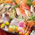 """新鮮な鮮魚を使ったお造り。味噌×鮮魚だから当然日本酒をはじめとした様々な飲み物に相性抜群◎鍛冶二丁こだわりの""""味噌のたまり""""でぜひお召し上がりください。"""