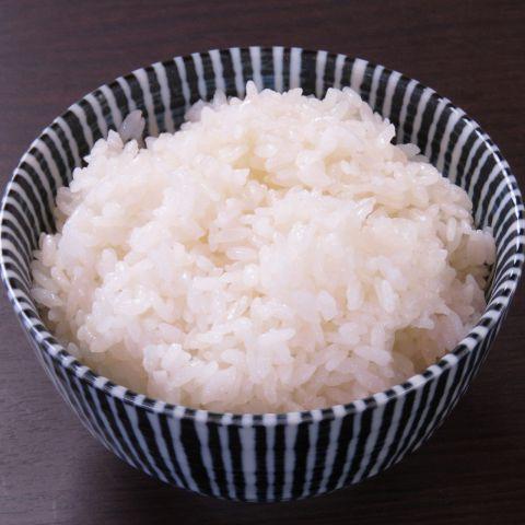 お米は宮城県産の「ひとめぼれ」を使用し炊き方きもこだわった美味しいご飯です。お酒を楽しみにご来店いただく以外にも、お食事をメインにご来店いただけいても満足していただけること間違い無し♪