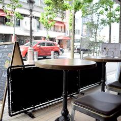 【テラス席】通りに面したお洒落なテラス席もご用意しております。暖房完備なので、ちょっと寒い日でも快適に過ごすことができるお席です。