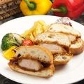 料理メニュー写真ロースカツサンド ポテトとグリル野菜