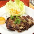料理メニュー写真タイ風焼き鳥(ガイヤーン)