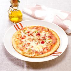 料理メニュー写真ミックスピザ
