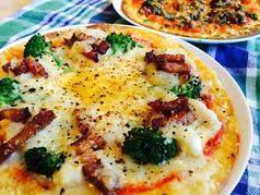 料理メニュー写真クリスピーピザ各種