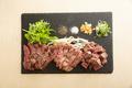 料理メニュー写真牛ステーキ3種盛