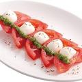 料理メニュー写真北海道産チェリーモッツァレラのカプレーゼ