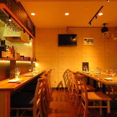 横濱肉バルまつ吉の雰囲気1