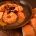 料理メニュー写真エビとキノコのアヒージョ