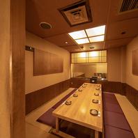 五反田店は、和を基調とした落ち着いた雰囲気の空間です