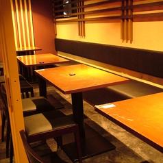 様々なシーンに便利なテーブル席