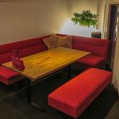 寛ぎのソファー席で、宴会から接待まで幅広く対応