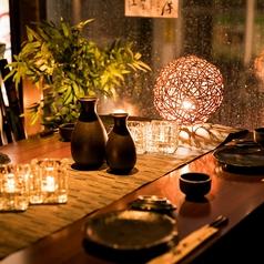 光の織り成す上品なカップルシート個室は日本橋・八重洲でのデートをワンランク上げること間違いなし!落ち着いた雰囲気の寛ぎの個室席は二人の距離をより一層近づけます♪いつもと違ったデートを楽しみたいお客様にオススメの個室空間になっております♪