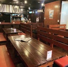 ゆったりとくつろげる6名様向けのテーブル席をご用意しております。女子会、パーティ、同窓会など様々なシーンでご利用ください。