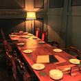 壁側のテーブル席は連結して10名様までご利用頂けます。