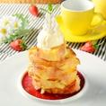 バケットハニーフレンチトースト:780円(税抜)<バニラものせて、BOND CAFE定番デザート>