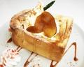 料理メニュー写真自家製パンのハニートースト ☆しょうがと林檎