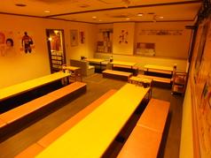 奥の宴会場は掘りごたつ個室。最大42名の宴会、貸切もOK!