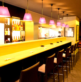 珍しいお酒が並ぶカウンター席は7席をご用意しております!