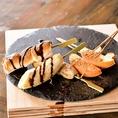 【デザート串】マシュマロ、バナナ、リンゴ・・・変わりダネのデザート串をご用意。一度食べたらやみつきになっちゃうかも!?