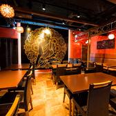 広々とした店内♪最大50名様でのパーティーもOK☆新宿駅すぐで絶品インド&タイ料理をお楽しみください!