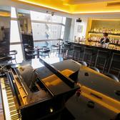 ピアノ席&カウンター席