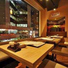 女子会やデートにもピッタリ♪夜景が見えるテーブル席もあります◎ゆったりソファーでくつろぎながら、癒しのひとときをお過ごしください♪美味しい北海道のお酒とお料理をたくさんご用意してお待ちしております!!