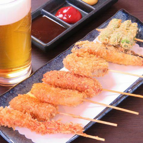 当店ではお通し一つ、串の一本に至るまで、しっかりこだわっておつくりしております。ご飯にもお酒にも合うお料理達ですので、是非細部までご堪能くださいませ。
